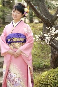 """""""Furisode"""" Kimono dalle donne giovani"""