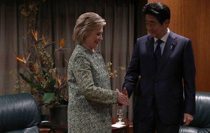 Incontro a New York tra Abe e la candidata alla presidenza USA Hillary Clinton