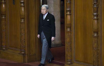 L'Imperatore Akihito fatica ad abdicare