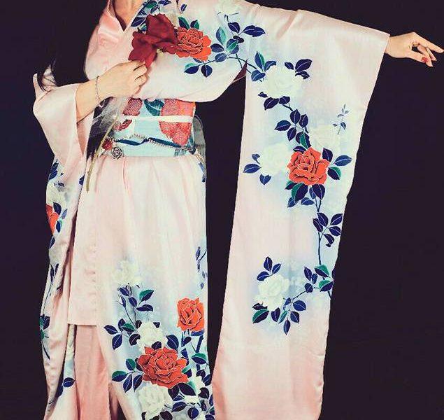 Una sfilata di Kimono per celebrare la bellezza e l'estetica giapponese a Villa Serra di Comago a Genova